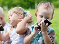 Tidak Ada Waktu Mendidik Anak, Maka Smartphone Akan Mendidik Anak Mu