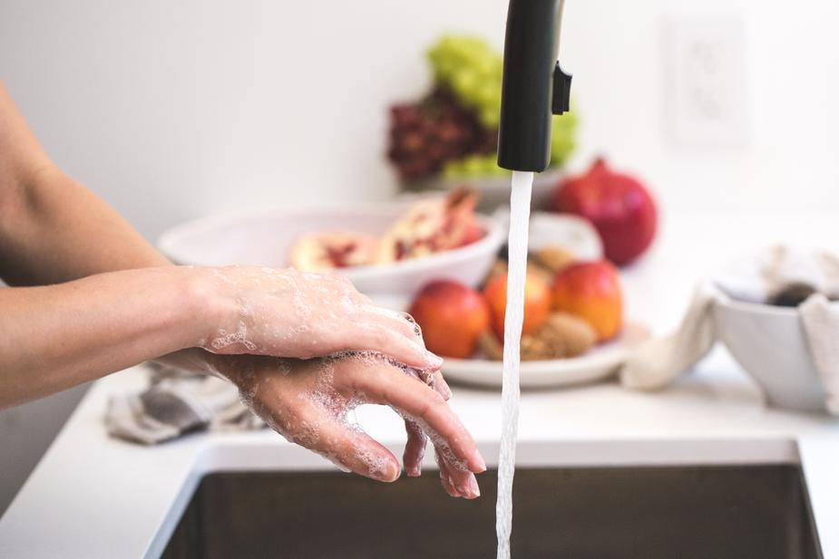 daftar hand sanitizer dengan alkohol 70