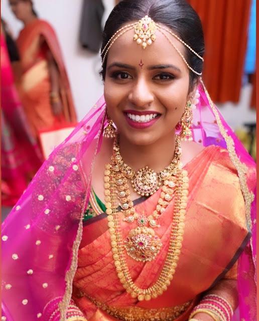 Bride in Antique Simple Kasu Mala Choker