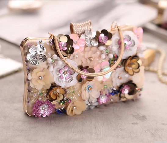 https://baginning.com/p/champagne-pearl-and-sequined-flowers-evening-box-clutch-bags-prom-bags.html