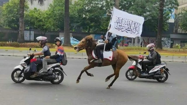 Peserta Reuni Akbar 212 Mulai Berdatangan, Ada yang Naik Kuda