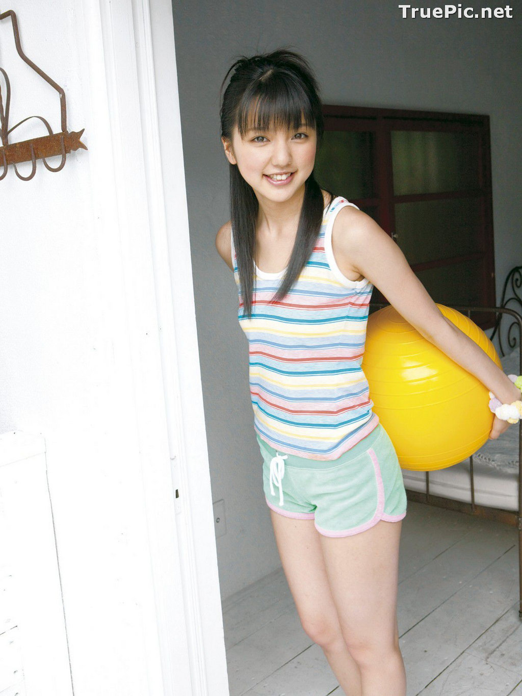 Image Japanese Singer and Actress - Erina Mano - Summer Greeting Photo Set - TruePic.net - Picture-4