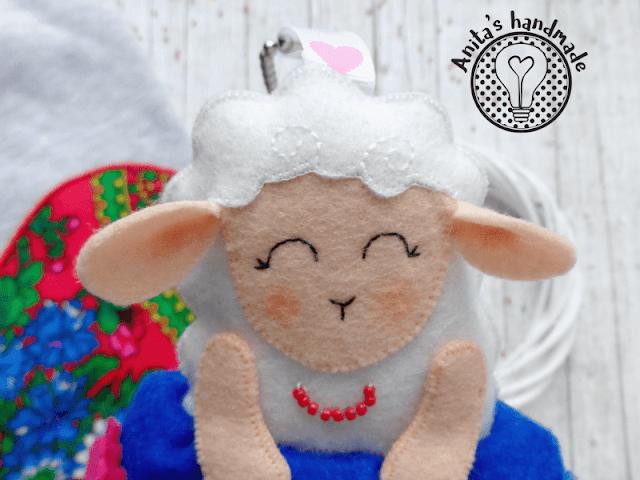 filc, felt, fieltro, feltro, owca, owieczka, owca z filcu, owieczka z filcu, filcowa owieczka, zwierzęta z filcu, filcowe zwierzątka, folk, folklor, ludowe wzory, wzory łowickie, wzory lowickie, folklore, polski folklor, polish folklore, cutesheep, sheep, felt sheep. felthandmade, lovehandmade, polish handmade, rękodzieło, rekodzielo, polskie rękodzieło, anitas handmade, anita's handmade, hobby, breloczek, breloczek do o bag, obag, obag accessorise, prezent prezent pod choinkę, prezent ręcznie robiony, szycie ręczne, brelok, filcowy breloczek, breloczek z filcu, ludowe inspiracje, hobby