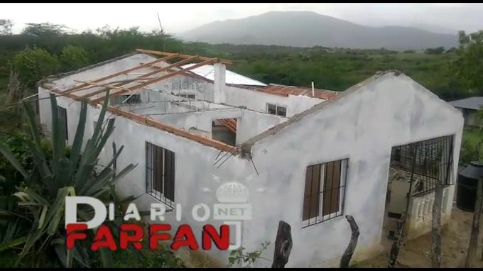 Video: Ventarrón destruye viviendas en el sector la mina de Las Matas de Farfán