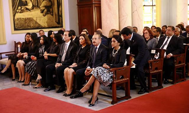 Familiares, amigos y autoridades se unen en misa novenario padre del presidente Danilo Medina