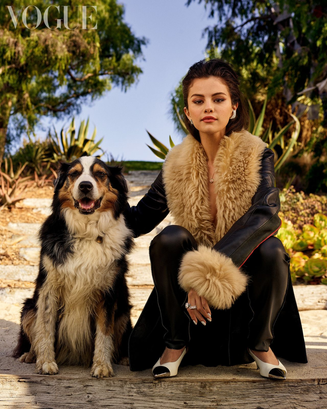 Selena Gomez is gorgeous for Vogue Mexico December 2020