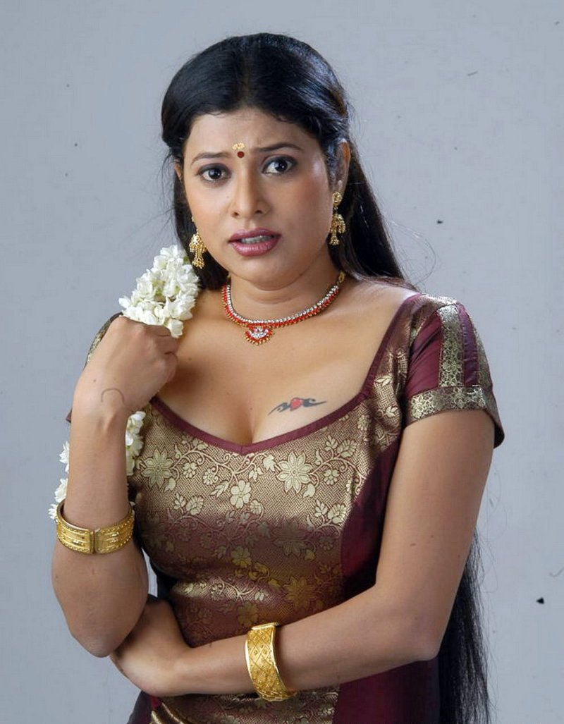 bollywood actress nangi photo