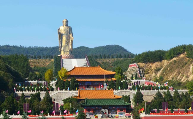 Spring Temple Buddha Statue