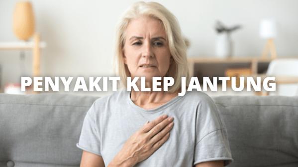 Penyakit Klep Jantung : Pengertian, Tanda dan Gejala, Penyebab, Faktor Risiko Pada Tubuh Manusia Pengertian Klep Jantung Penyakit klep jantung termasuk stenosis katup aorta (AVS) dan aortic insufficiency (atau regurgitasi). Pada AVS, katup aorta menebal dan menyempit (stenosis), jadi jantung harus bekerja lebih keras untuk mengirim darah melalui katup. Darah yang menyebar di dalam tubuh menjadi lebih sedikit. Dokter dapat mendengar suara jantung abnormal (heart murmur) dengan stetoskop. Pada aortic insuffiency, katup tidak menutup dengan baik, jadi sebagain darah yang baru saja dipompa kembali lagi. Dalam beberapa tahun, bilik kiri menjadi terlalu besar karena kelebihan darah dan menjadi kurang efisien dalam memompa darah.  Tanda dan Gejala Klep Jantung Gejala-gejala AVS berkembang saat penyempitan katup menjadi lebih parah. Gejala-gejala ini adalah : Nyeri dada atau sesak Pingsan Pusing, kelelahan Kesulitan bernapas Merasakan detak jantung yang cepat dan heart murmur Tanda-tanda dan gejala lain termasuk denyut nadi yang cepat dan ireguler, serta pembengkakan pergelangan kaki dan kaki.  Orang-orang yang mengidap insufficiency aortic kronis mungkin tidak mengalami gejala selama bertahun-tahun. Seiring dengan penyakit yang semakin parah, gejala-gejala serupa dapat terjadi.  Penyebab Klep Jantung Penyebab termasuk gangguan hati bawaan pada anak-anak. Pada orang dewasa, endocarditis (infeksi bakteri pada jantung), deposit kalsium yang terkait usia pada katup, dan demam rematik dapat merusak katup aorta.  Penyebab yang lebih jarang termasuk radiasi, rheumatiod arthritis, trauma, dan penyakit-penyakit lain (penyakit paget's dan fabry's, dan penyakit ginjal stadium akhir).  Faktor Risiko Klep Jantung Berikut ini adalah faktor risiko dari klep jantung : Rheumatoid arthritis Penyakit paget penyakit Fabry Penyakit ginjal stadium akhir Endocarditis (infeksi jantung akibat bakteri) Kalsifikasi katup karena usia lanjut Demam rematik   Nah itu dia bahasan dari penyakit klep jantu