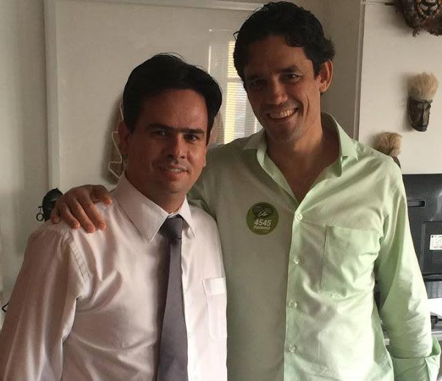 http://www.blogdofelipeandrade.com.br/2016/03/daniel-coelho-desmente-boatos-de-que.html