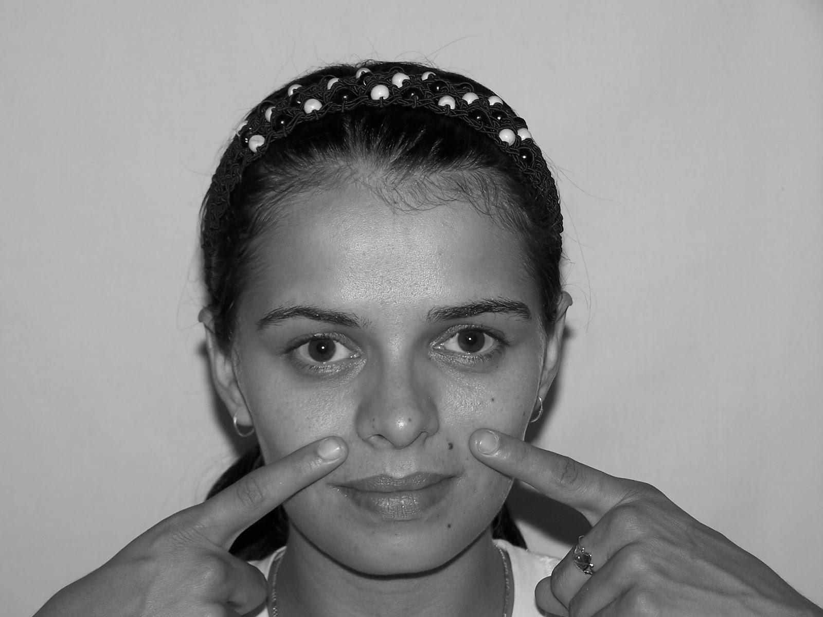 Tighten Hog Jowls And Sagging Face Skin Via Facial Firming Workouts