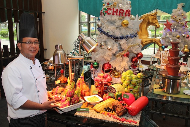 Spreading the festive cheer with lots of good food at Grand BlueWave Hotel