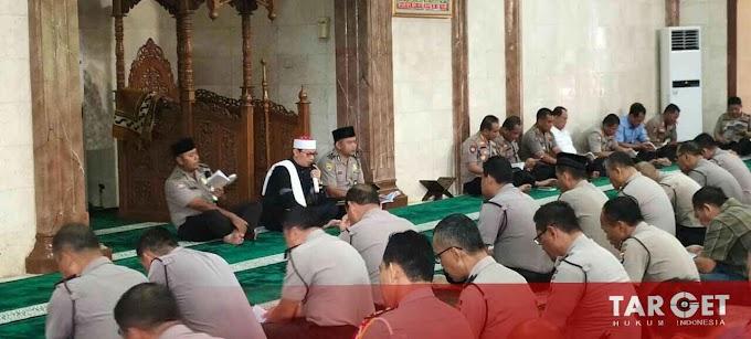 Tingkatkan Iman dan Taqwa Personel Polda Banten Gelar Binrohtal