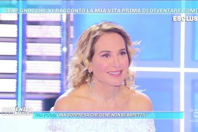 Barbara D'Urso foto sorriso viso domenica Live