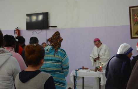 قداس ديني لفائدة السجناء أتباع الديانة المسيحية في المغرب (+صور)