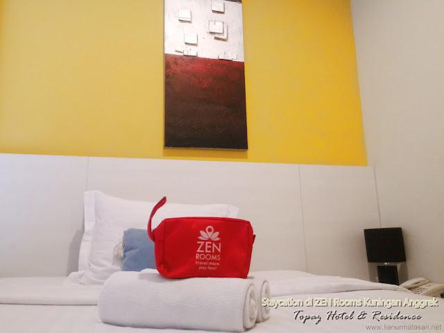 Staycation di ZEN Rooms Kuningan Anggrek, Topaz Hotel & Residence