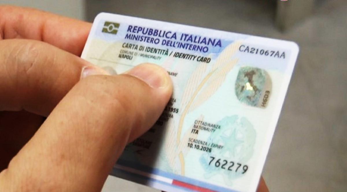Pagamento con Pos dei diritti della carta d'identità