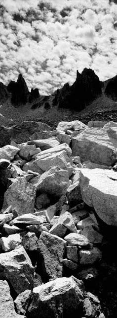 Photo panoramique verticale de Jean-Christophe Béchet prise dans le Parco naturale Alpi marittime en Italie