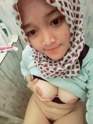 Gairah Seksual ABG Jilbab 17 Tahun