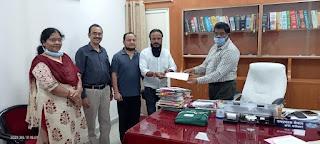 जिले की दो आंगनवाड़ियों को सौलर पैनल से रौशन करने दिया दान
