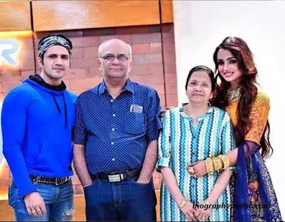 Chirag Thakkar Family Photo