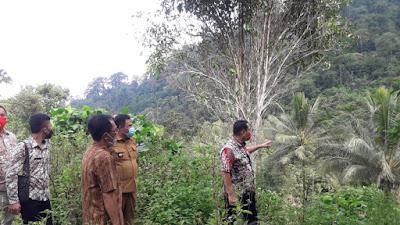 Pjs Bupati Boltim Christiano Talumepa Cek Lokasi Pembangunan Jalan Provinsi di Mooat