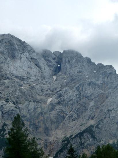 Foto del Parque nacional de Triglav. Paso de Vrisic. Monte con Ventana. Ruta en autocaravana por Eslovenia | caravaneros.com