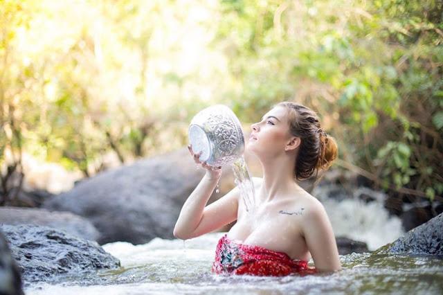 Hot girls Jessie Vard sexy Bikini mix Thai & Ireland 5
