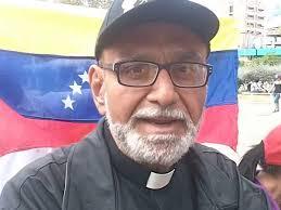 Sacerdote crítico del chavismo está detenido en centro de inmigrantes en EEUU