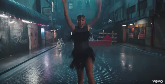 #DelicateMusicVideo ; #TaylorSwift drops new Delicate music video at iHeartRadio Awards