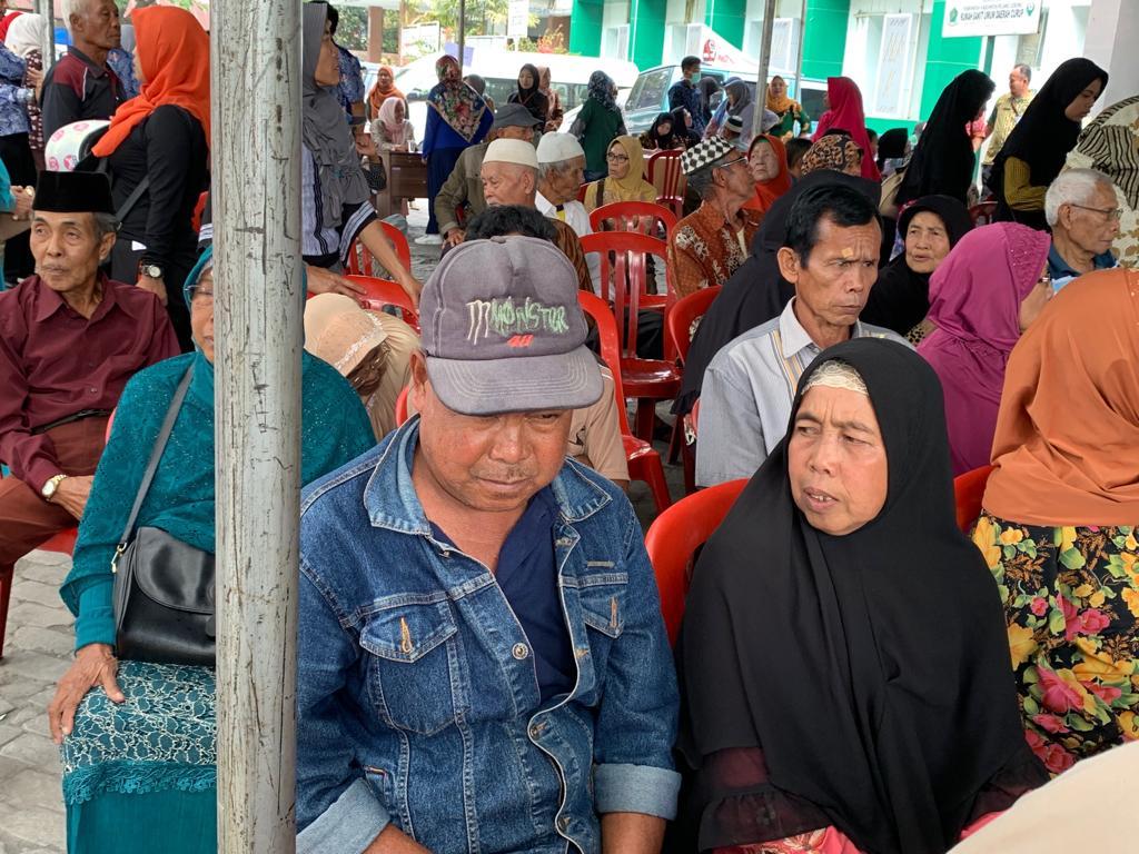 """PWI Peduli :  Operasi Katarak di Rejang Lebong  """"Saya Ingin Baca Alqur'an Lagi"""""""