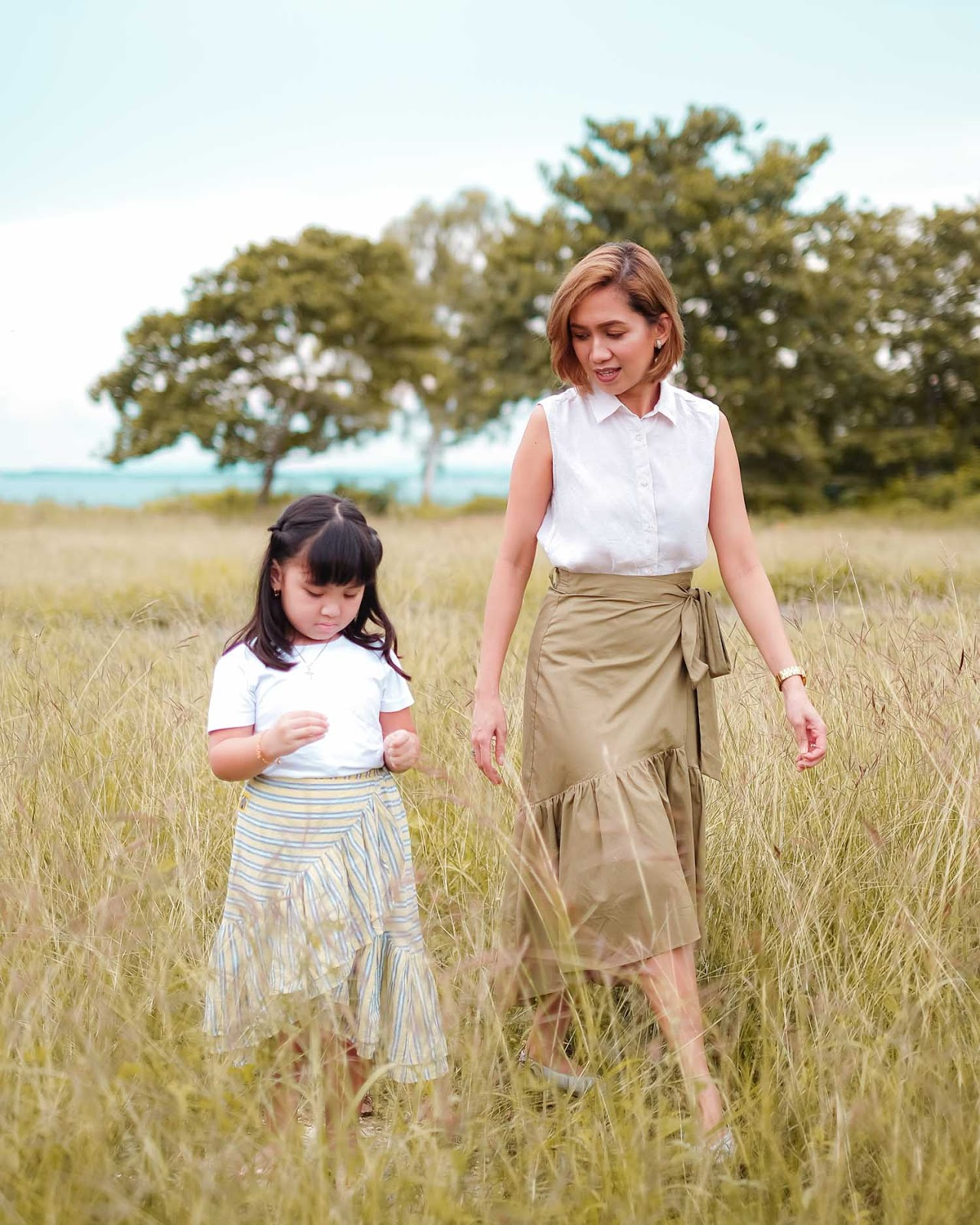 Mommy wardrobe must-haves, how to build a capsule wardrobe, cebu mommy blogger, cebu fashion blogger, wrap skirt, cebu blogger