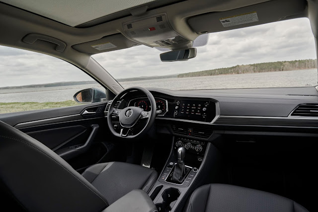 Interior view of 2019 Volkswagen Jetta
