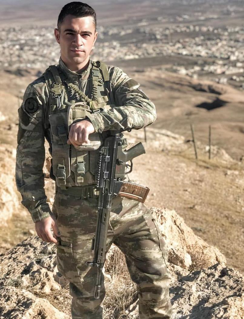 soldier-uniform-male-duty-military