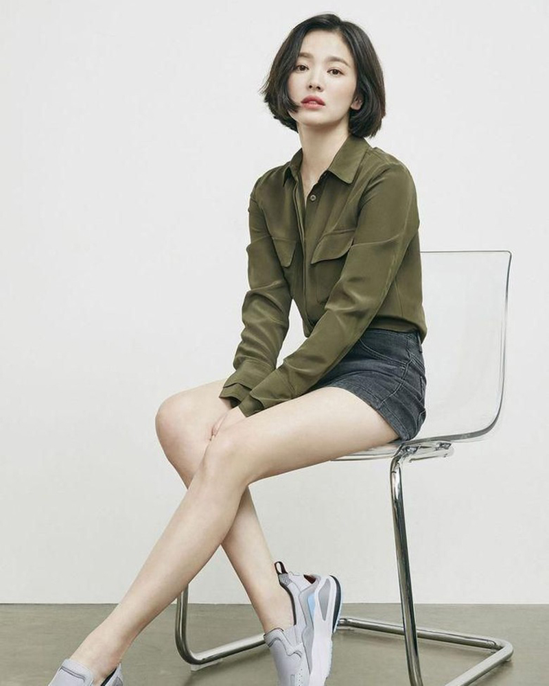 paha mulus dan seksi Song Hye-kyo