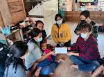 Tim Theza Serahkan Bantuan Kepada Balita Penderita Tumor dari Bonggakaradeng