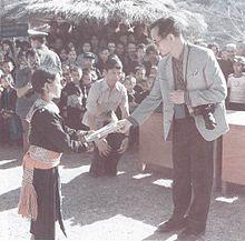 พระบาทสมเด็จพระเจ้าอยู่หัวทรงทราบดีว่าเด็กและเยาวชนของไทยมิได้ขาดสติปัญญา หากแต่ด้อยโอกาสและขาดทุนทรัพย์สำหรับการศึกษา