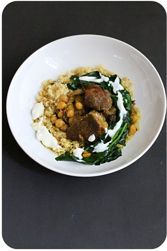 Lamm mit Sambhar Masala, Spinat, Kichererbsen und Joghurt auf Vadouvan-(Vadagam)Reis | Arthurs Tochter Kocht von Astrid Paul