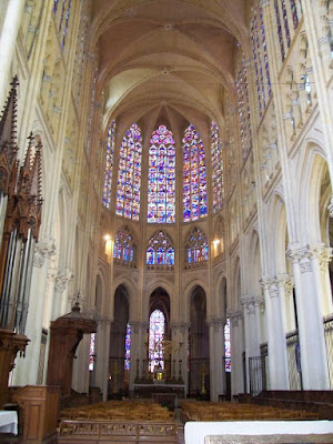 Looking along the nave of Tours cathedral