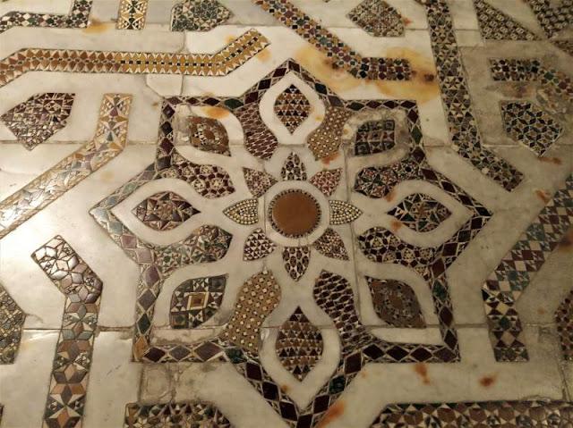 intarsi marmorei del pavimento del duomo