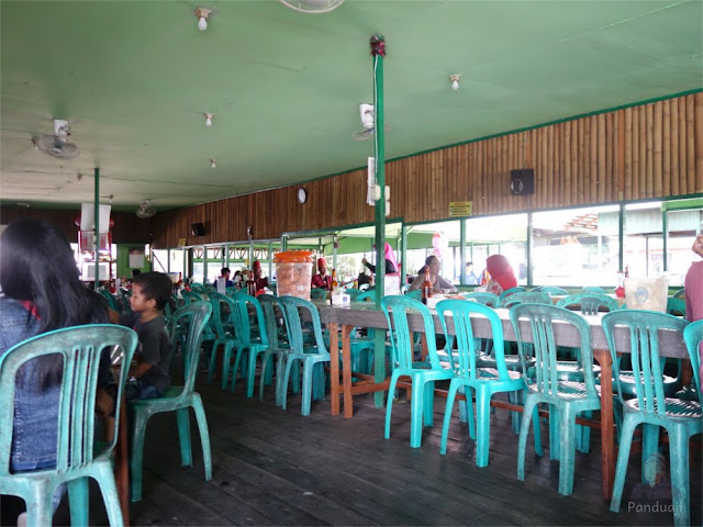 Suasana Warung Soto Ayam Bang Amat di Banjarmasin