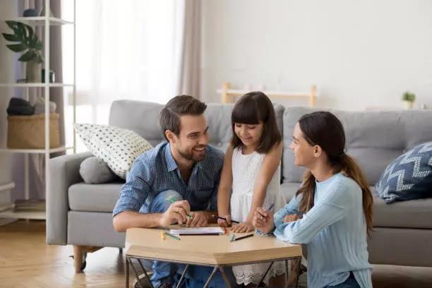5 pola komunikasi yang baik antara orang tua dengan anak agar harmonis