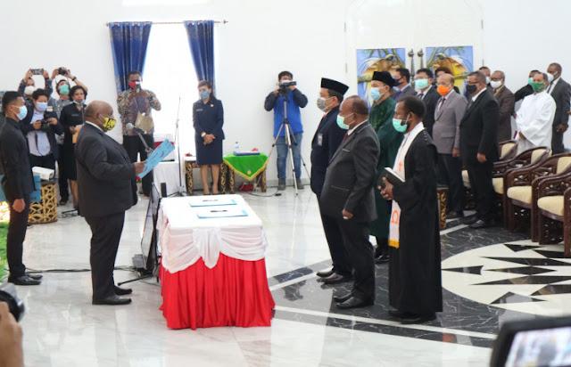 Klemen Tinal Desak Pemerintah Pusat Segera Terbitkan SK Sekda Papua Definitif