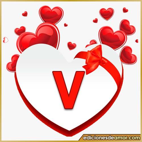 corazones volando con letra V