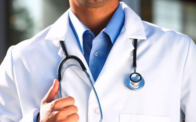 طبيب ألماني: لهذه الأسباب أريد التوقف عن معالجة اللاجئين !!