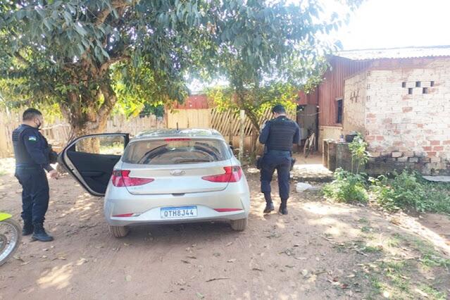 PM recupera em Guajará carro roubado em Porto Velho
