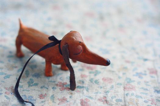 Perro hecho con porcelana fria
