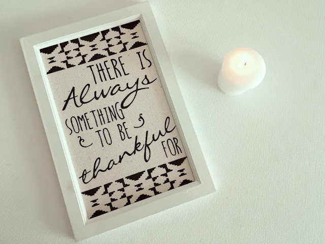 Print saying There is Always Something to be Thankful for on white background