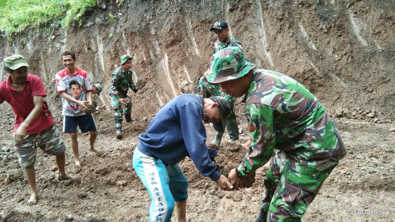 TNI Wujudkan Harapan Masyarakat Tompobulu Lewat TMMD