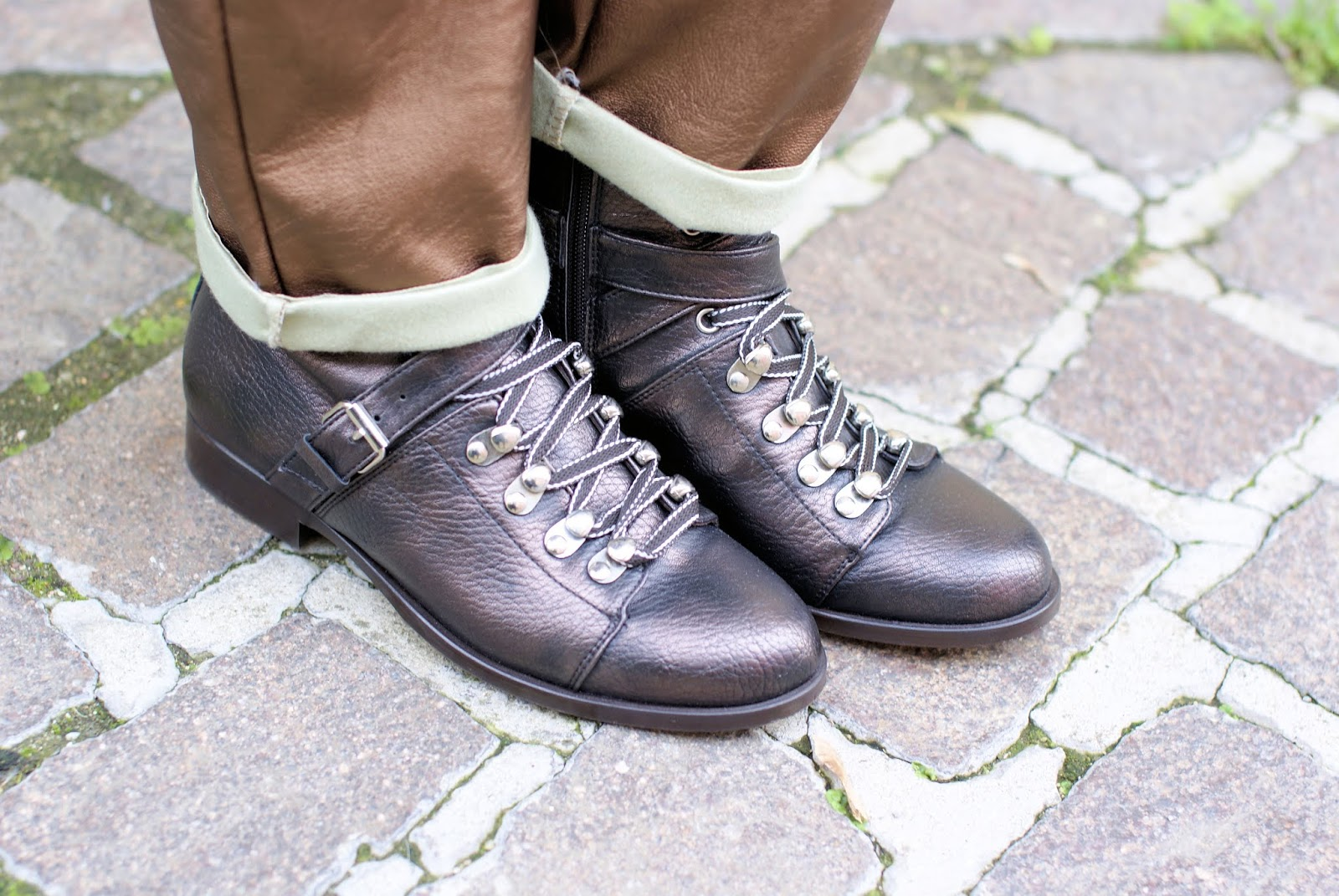 Formentini Hiking boots on Fashion and Cookies fashion blog, fashion blogger style